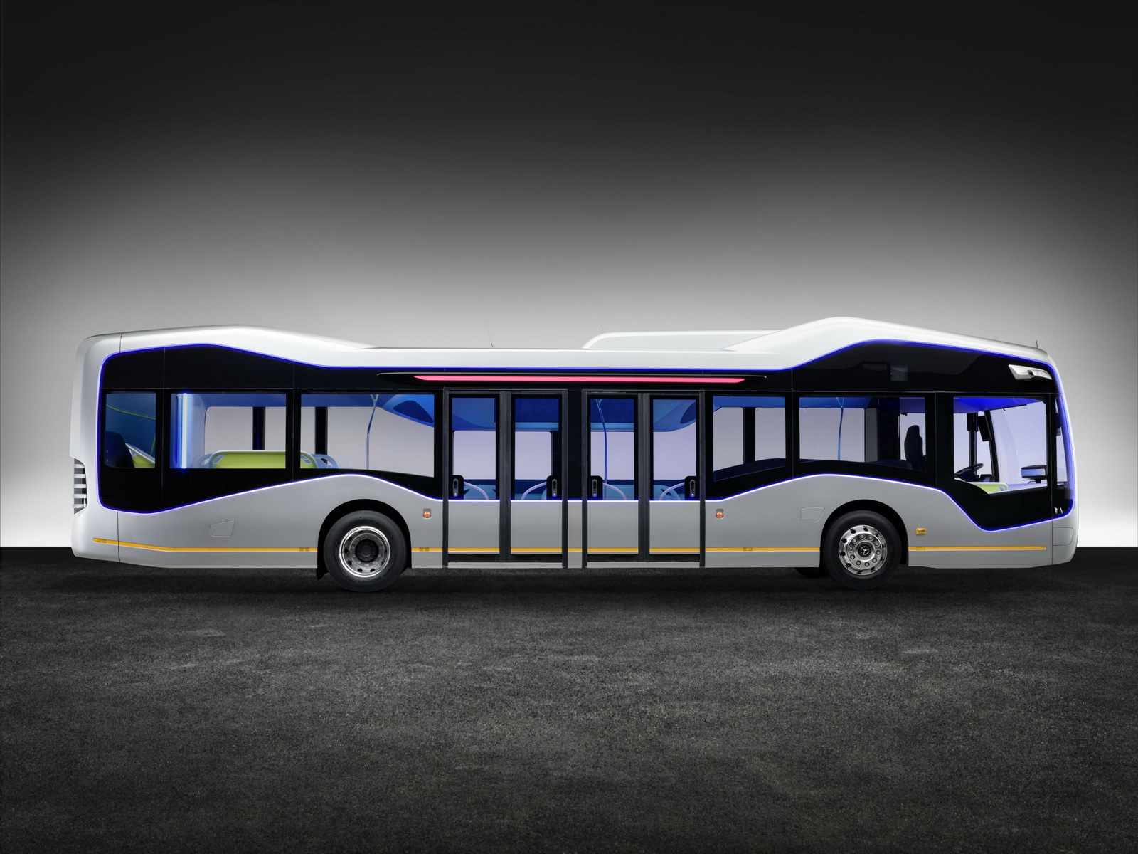 Foto de Mercedes-Benz Future Bus (26/36)