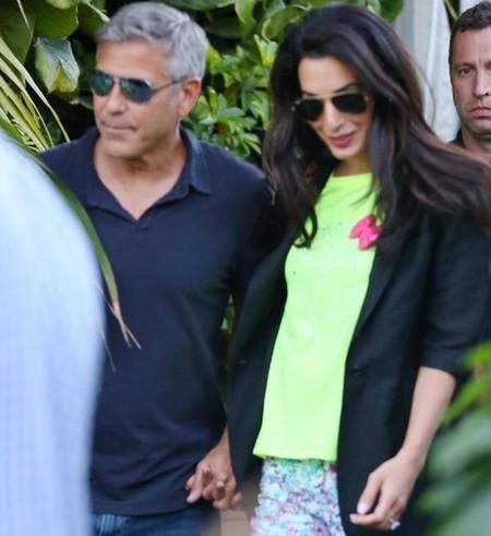 Ella dijo si, Amal Alamuddin ya luce el espectacular anillo de compromiso de George Clooney