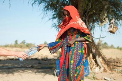 La falta de agua potable causa 1400 muertes infantiles al día