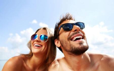 La importancia del uso de gafas de sol cuando hace sol