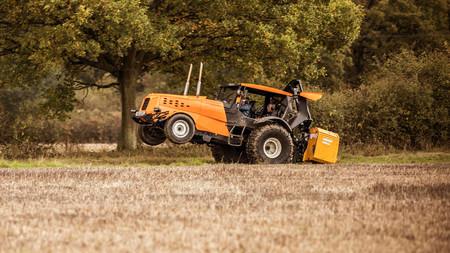 Track-tor de Top Gear, el tractor más rápido del mundo