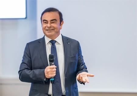 Carlos Ghosn elude el arresto domiciliario y huye de Japón para refugiarse en el Líbano