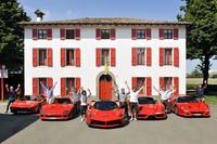 Recoge su LaFerrari acompañado por sus 288 GTO, F40, F50 y Enzo