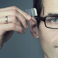 No sólo Elon Musk y Zuckerberg se quieren meter en nuestro cerebro, ARM ya desarrolla chips cerebrales