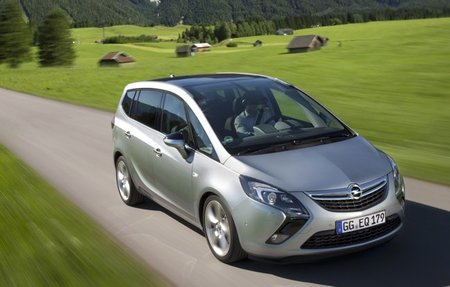 Opel-Zafira-Tourer-34