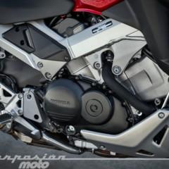 Foto 33 de 56 de la galería honda-vfr800x-crossrunner-detalles en Motorpasion Moto