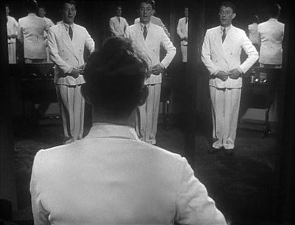 'El Hombre Vestido de Blanco', el cine vestido de crítica