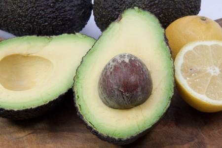 Cinco sorprendentes maneras de comer aguacate (y no, ninguna de ellas es guacamole)