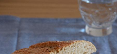Bocadillo de ternera con salteado de pimiento, cebolla y mozzarella: receta sin complicaciones
