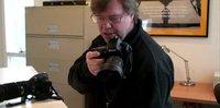 Cómo agarrar la cámara para mejorar la estabilidad, algunos trucos fáciles en vídeo