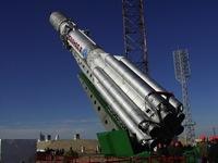 La caída del satélite: Cadenas que quieren cambiar de órbita