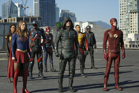 Supergirl Flash Arrow Legends Crossover Photos 551