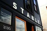 Todo bar debería inspirarse en el Stable Café, ¡mola tanto!