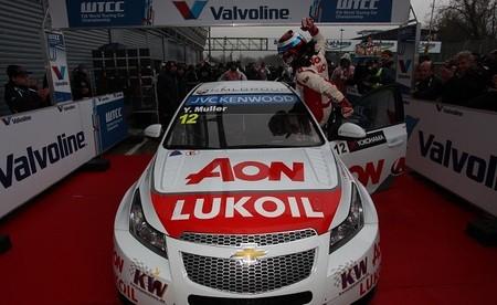 Yvan Muller comienza mandando tras un fin de semana perfecto en Monza