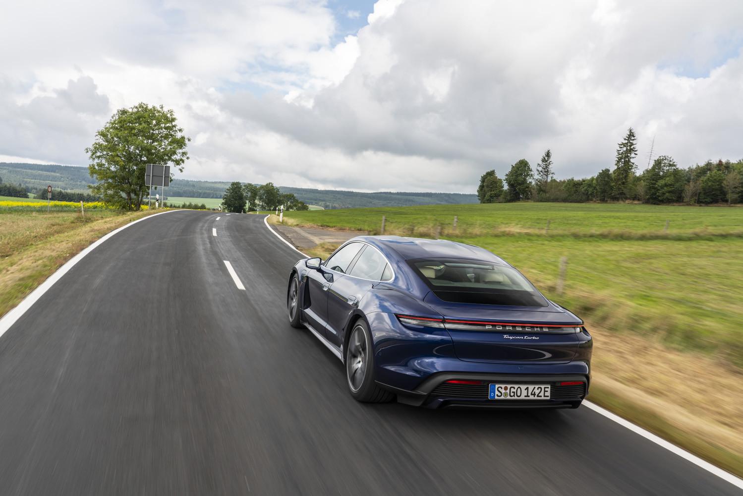 Foto de Porsche Taycan prueba contacto (30/275)