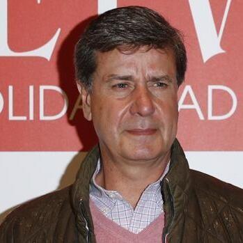 Cayetano Martínez de Irujo operado de urgencia: el problema intestinal que le ha mandado al quirófano