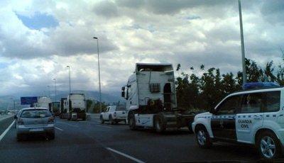 La Agrupación Nacional de Transportes anuncia un paro indefinido, compra ahora tus marcas habituales