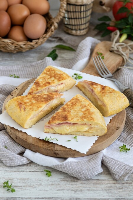 Tortilla De Patatas Rellena Vertical