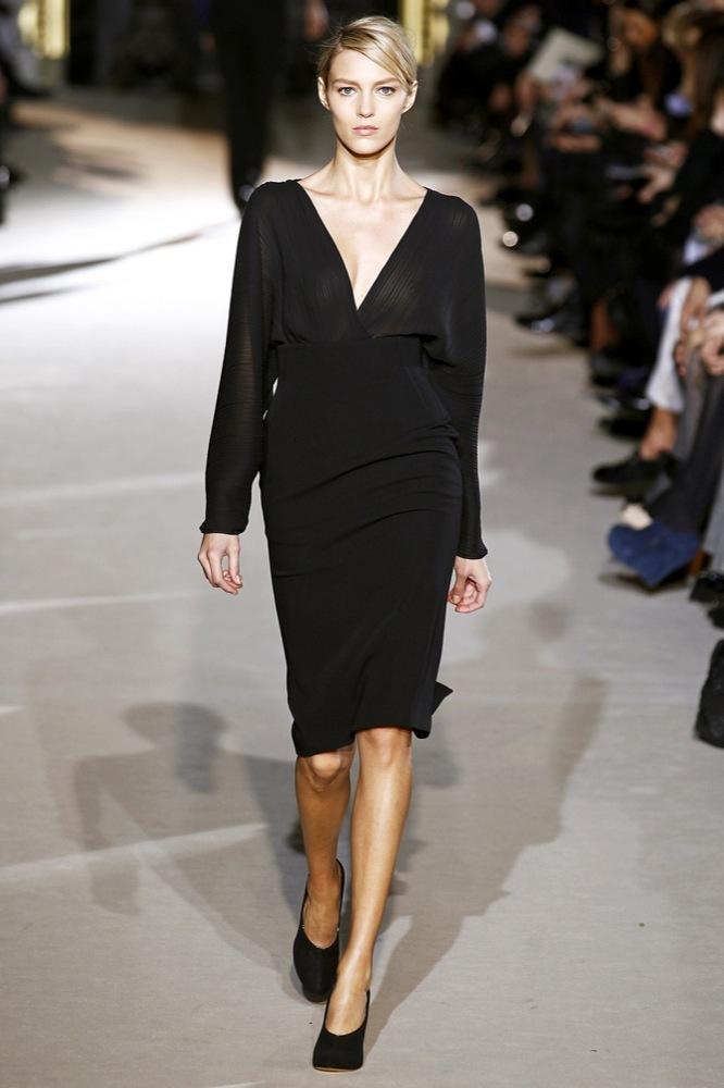 Foto de Stella McCartney Otoño-Invierno 2011/2012 en la Semana de la Moda de París:  (20/25)