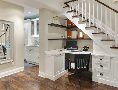 Cinco buenas ideas para aprovechar el hueco bajo la escalera