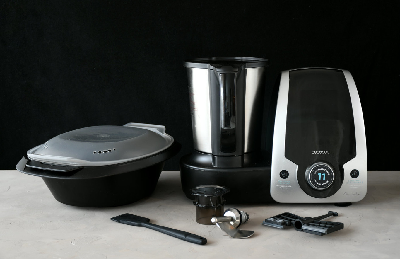 Cecotec Mambo Black, análisis: un robot de cocina multifunción pequeño (en precio), pero matón