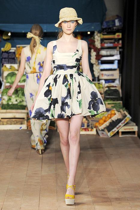 Foto de Moschino Cheap and Chic Primavera-Verano 2012 (16/28)