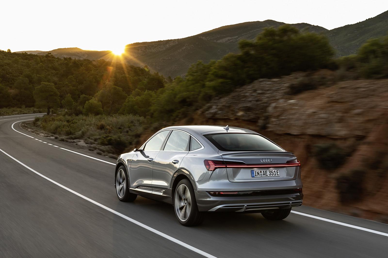 Foto de Audi e-tron Sportback (26/57)