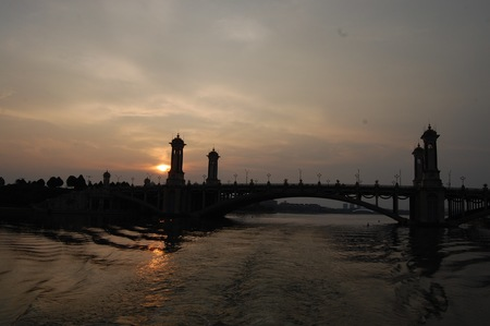 Visitando Malasia puentes de Putrajaya