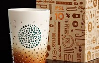 Swarovski y Starbucks, nunca tomar café fue tan glamuroso