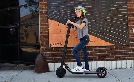 La DGT confirma que habrá edad mínima y casco obligatorio para los usuarios de patinetes eléctricos