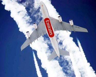 Emirates, la aerolinea que no deja de crecer desde que despegó por primera vez en 1985