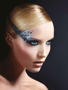 Midnight Glow, la colección de Make Up For Ever que incluye paillettes y strass