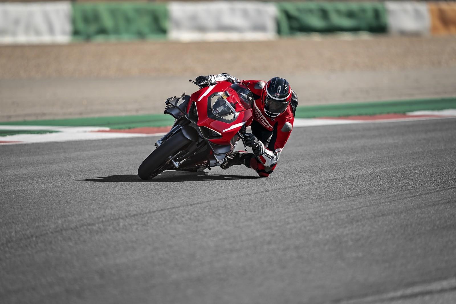 Foto de Ducati Panigale Superleggera V4 2020 (17/61)