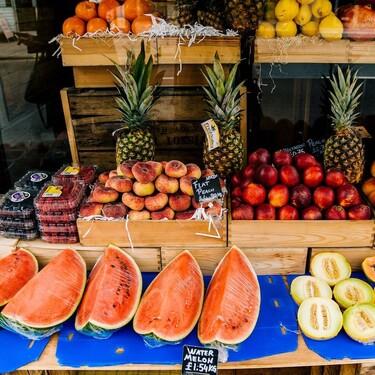 Estos son algunos alimentos que te ayudan a mantenerte hidratado en esta temporada de calor