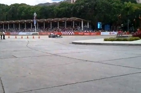 Pastor Maldonado tiene un incidente en la exhibición de Williams en Venezuela