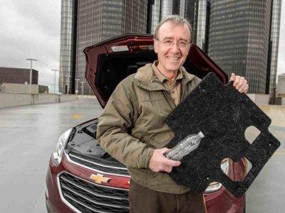 ¿Y si te dijéramos que tu Chevrolet Equinox cuenta con accesorios fabricados con botellas recicladas?