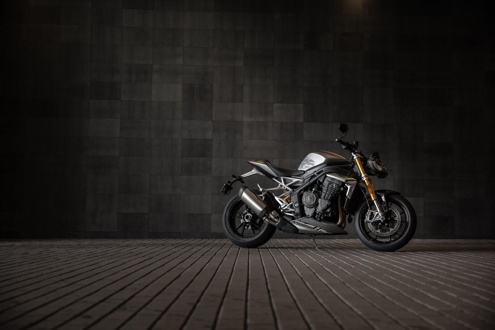 Foto de Triumph Speed Triple 1200 RS 2021 (46/71)