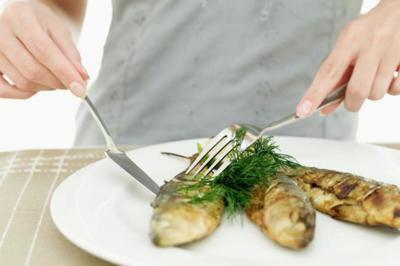 Estrategias científicamente probadas que ayudan a comer menos