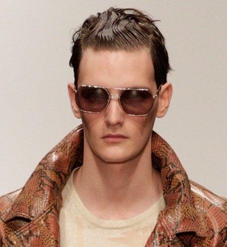 Cortes de pelo para la primavera 2012 los peinados de for Peinado hacia atras hombre