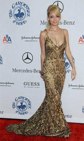El fascinante modelo dorado de Nicole Richie