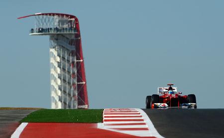 Fernando Alonso retrasa la decisión del título hasta Interlagos