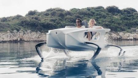 Las motos acuáticas son historia: di hola a Quadrofoil, eléctrico y que casi vuela sobre el agua