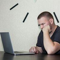 Un coladero de horas: la pelea de cada semana de los trabajadores con los fallos de las aplicaciones de productividad y videoconferencia
