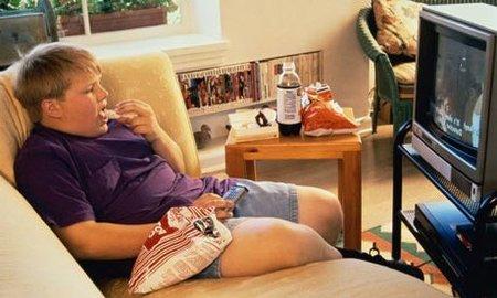 La publicidad es un factor clave en el aumento de la obesidad infantil