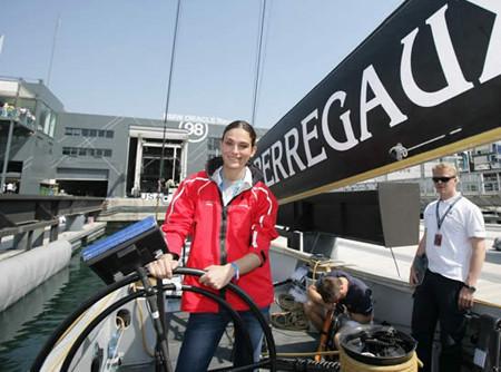 Laura Ponte es el tripulante 18 del BMW ORACLE Racing