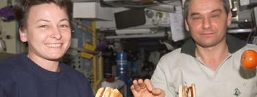 El mejor restaurante del espacio exterior: cómo es comer a 400 kilómetros del supermercado más cercano