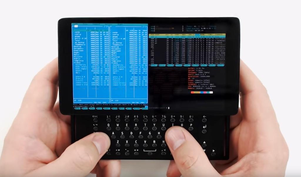 Este microordenador con teclado desplegable construido con una Raspberry Pi Zero vuelve a demostrar la versatilidad de esta placa