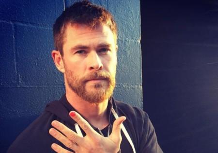 ¿Por qué se pinta las uñas Chris Hemsworth? (Spoiler: es por una buena causa)