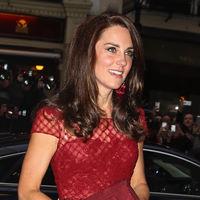 Kate Middleton luce un vestido de Marchesa que se agota en horas