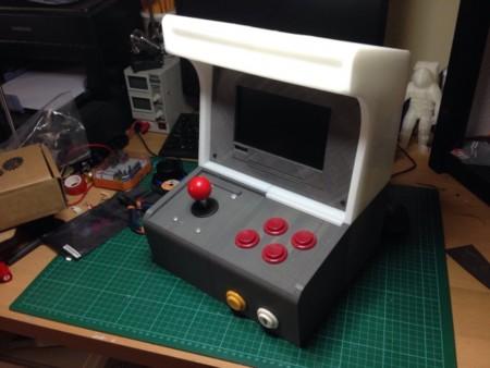 Una impresora 3D, una Raspberry Pi y poco más para tener esta excelente consola de videojuegos